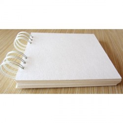 White Chipboard Album 15,5 x 16 cm with White Spiral Studio75